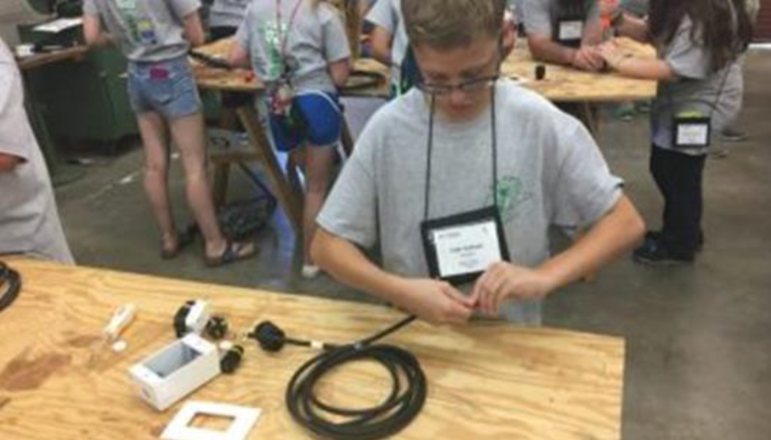 """4-H Electric Camp: """"Going Beyond the Wires"""""""