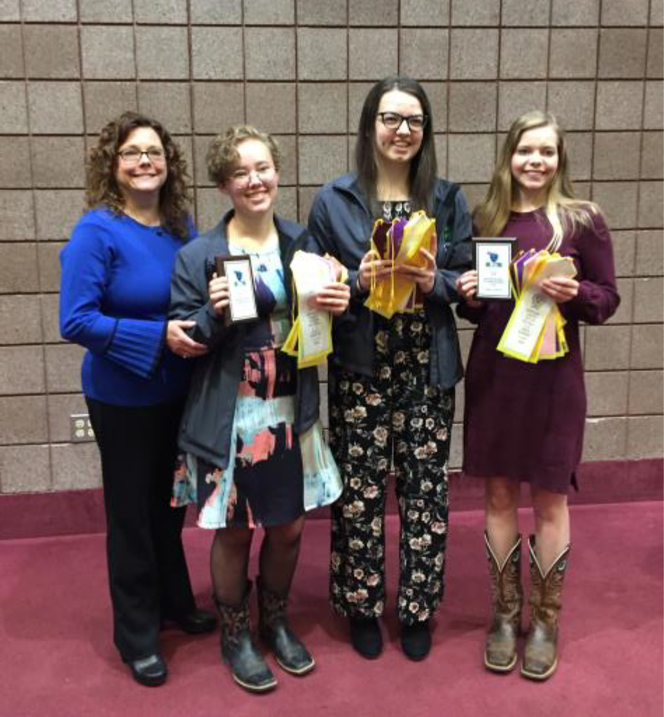 Tennessee 4-H Horse Program Youth Earn National Recognition - Blount County 4-H youth represented Tennessee well through the efforts of Madeline Parr, Siena Spayner, Rachel Ottinger, McKenzee Petree, and Coach Jennifer Parr.