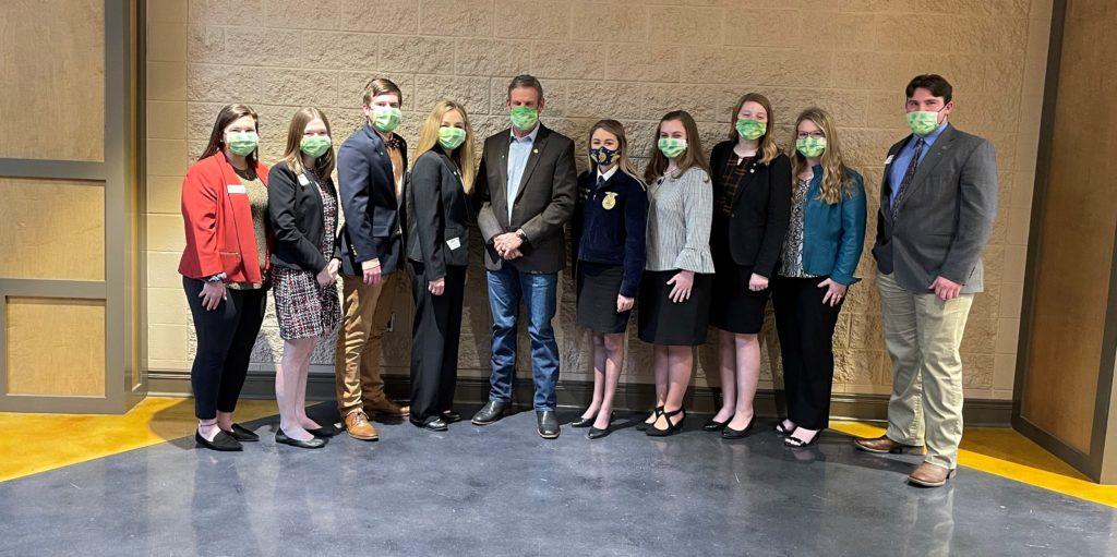 Governor Bill Lee with Collegiate 4-H/FFA members